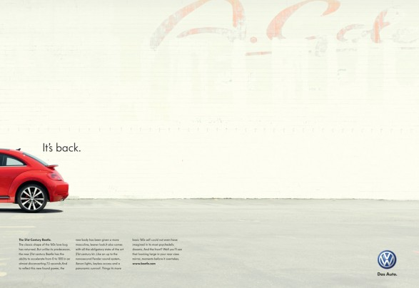 300x436 Beetle DPS Agency Versions D03884 Page 10 587x404 VW Its back voted Print ad of The Week in Lürzers Archive