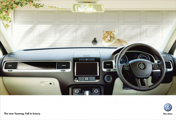 Touareg cat and bird1 587x402 VW Touareg for DDB Sydney
