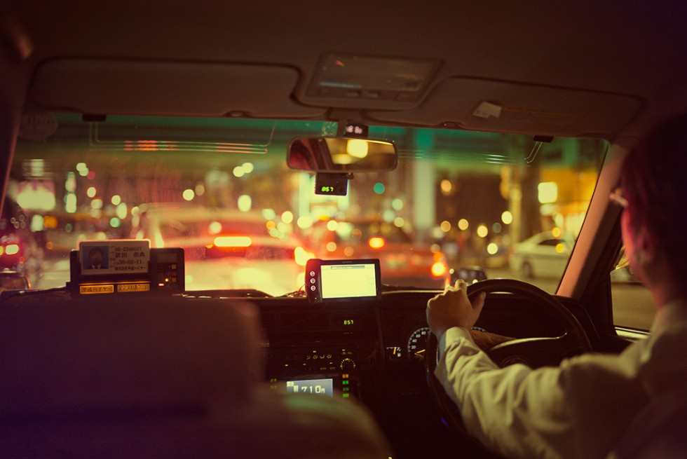 Cab driver without gloves